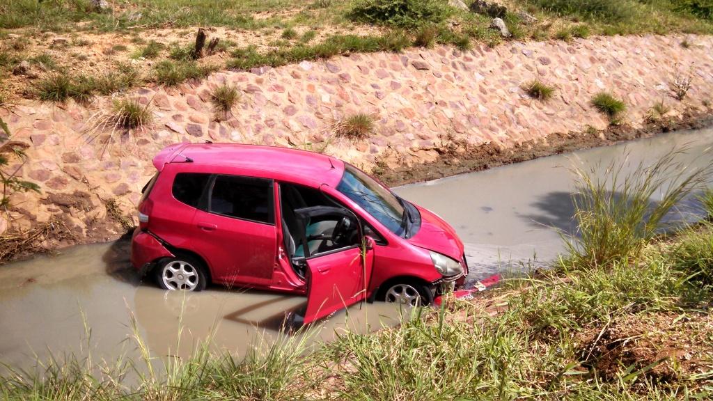 car-in-ditch