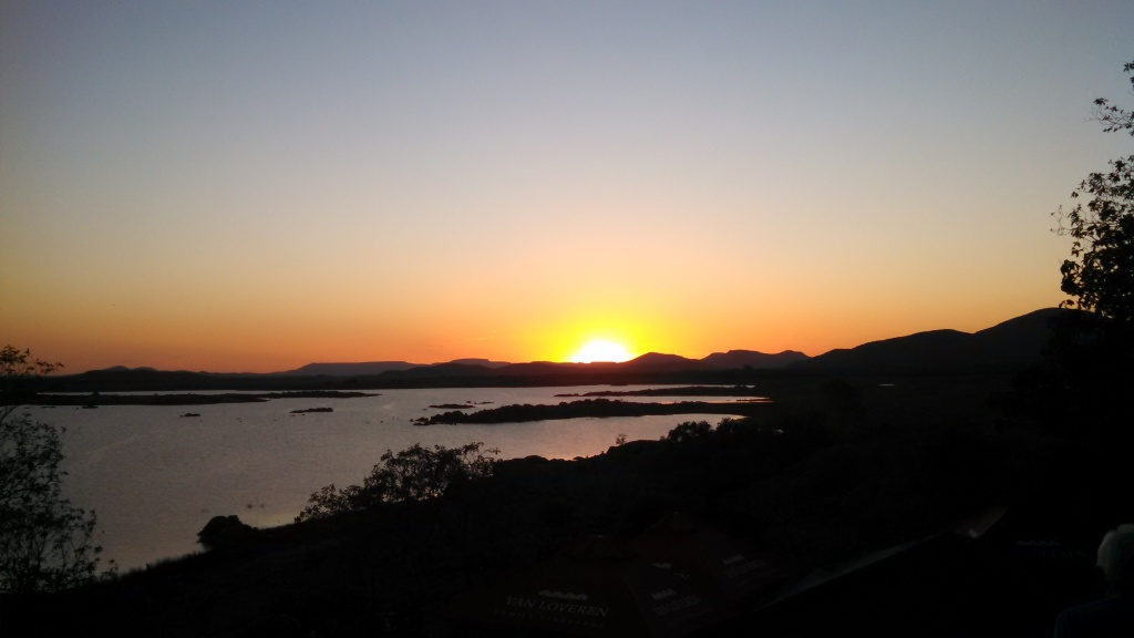 sunset-over-gaborone-dam-2